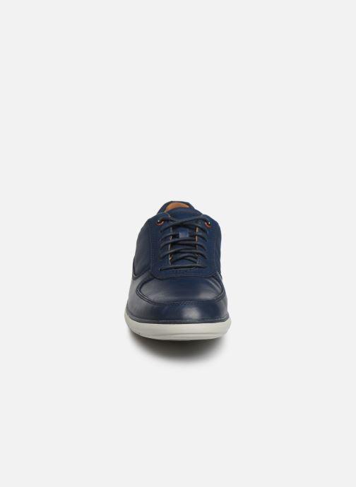 Scarpe con lacci Clarks Unstructured Un Voyage Lace Azzurro modello indossato