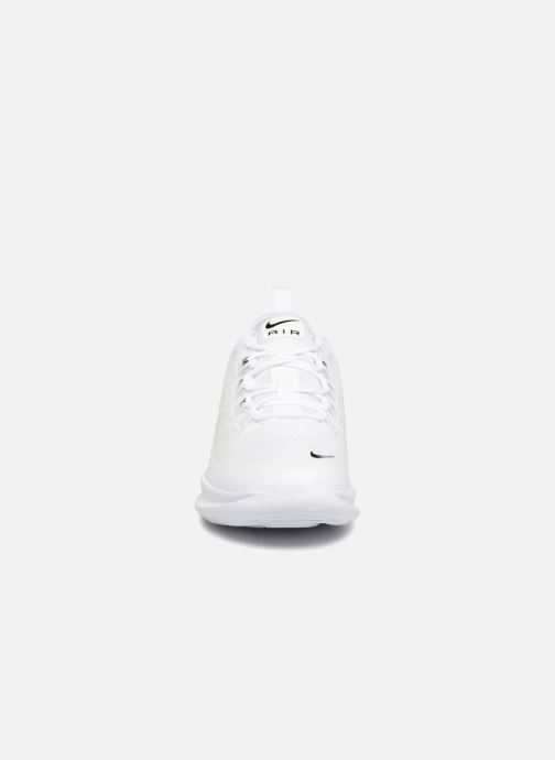 Sneakers Nike Air Max Axis (GS) Wit model