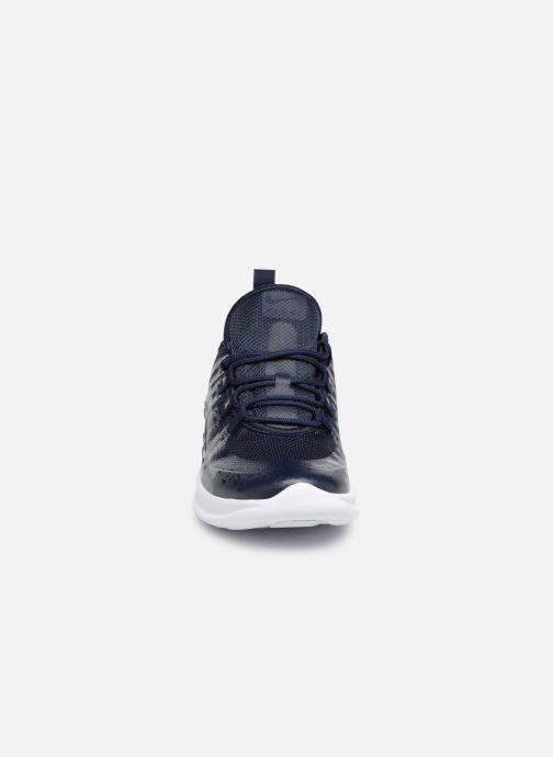 Baskets Nike Air Max Axis (PS) Bleu vue portées chaussures