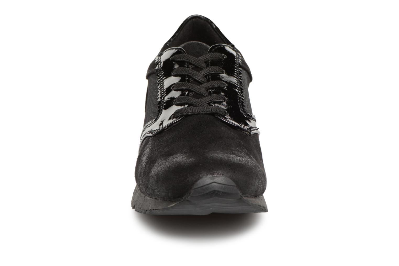 Baskets Tamaris 23601 Noir vue portées chaussures