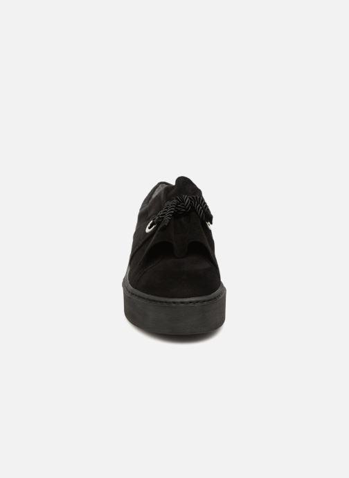 Sneakers Tamaris 24723 Zwart model