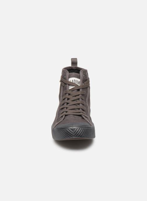 Baskets Palladium Pallaphoenix Mid Vtg U Gris vue portées chaussures