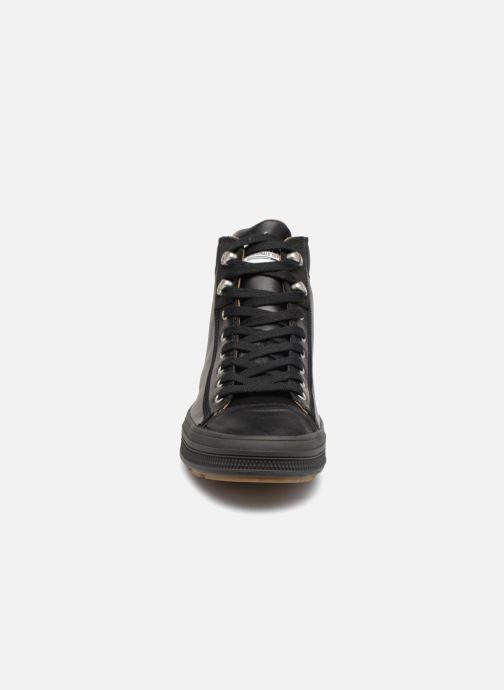 Sneakers Palladium Sub Mid Cuff  M Nero modello indossato