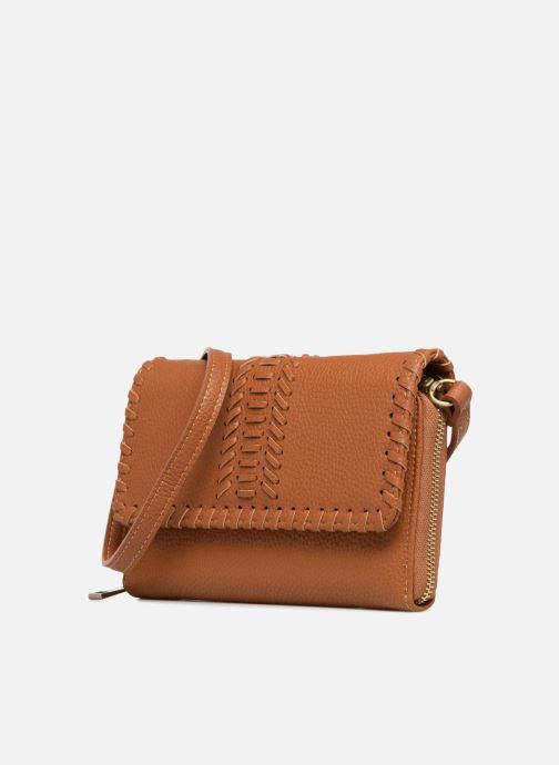 Sacs à main Street Level Brown mini purse Marron vue portées chaussures