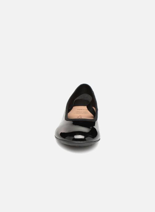 Ballerines Geox JR Plie J8455D Noir vue portées chaussures