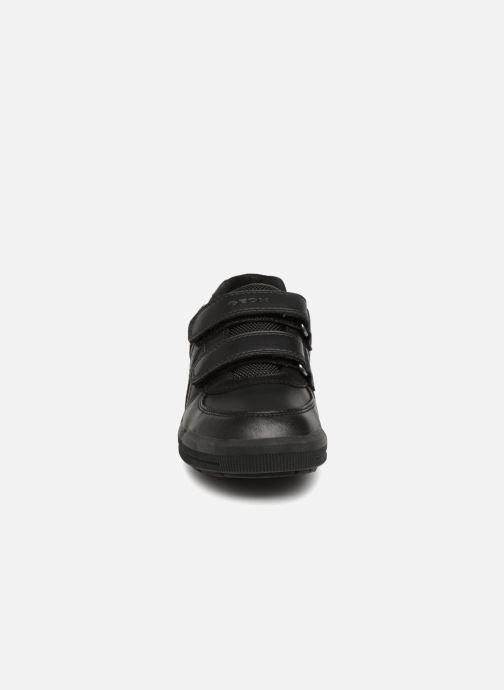 Baskets Geox J Arzach Boy J844AE Noir vue portées chaussures