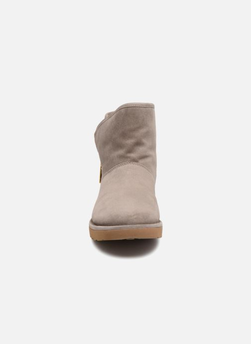 Bottines et boots UGG W Kip Gris vue portées chaussures