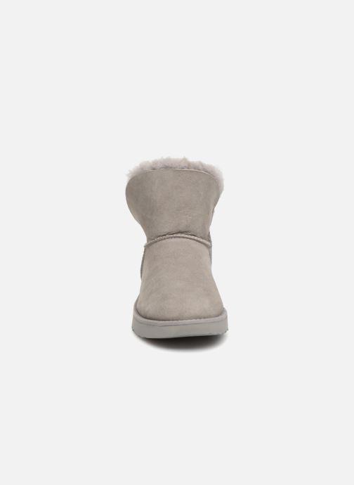 Stiefeletten & Boots UGG W Classic Cuff Mini grau schuhe getragen