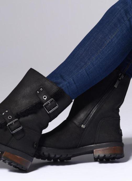 Stiefeletten & Boots UGG W Niels II schwarz ansicht von unten / tasche getragen