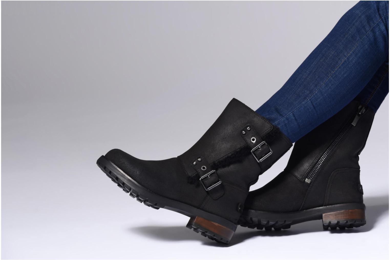 Bottines et boots UGG W Niels II Noir vue bas / vue portée sac