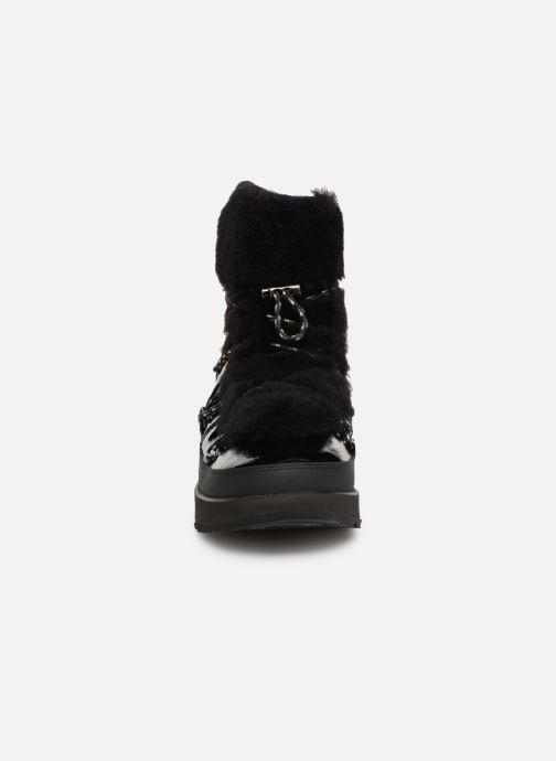 Chaussures de sport UGG W Highland Waterproof Noir vue portées chaussures