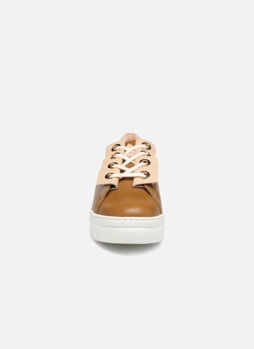 Baskets Craie Past Circle Or et bronze vue portées chaussures
