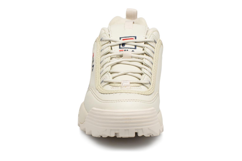 Baskets FILA Disruptor Beige Beige vue portées chaussures