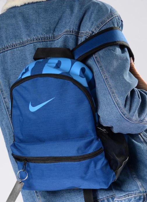 Sacs à dos Nike Y NK BRSLA JDI MINI BKPK Gris vue bas / vue portée sac