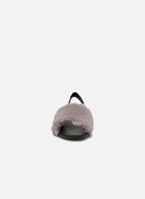 Sandali e scarpe aperte Jeffrey Campbell 209 Grigio modello indossato