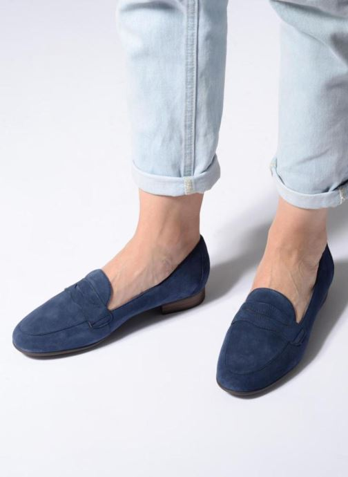 Slipper Clarks Unstructured Un Blush Go blau ansicht von unten / tasche getragen
