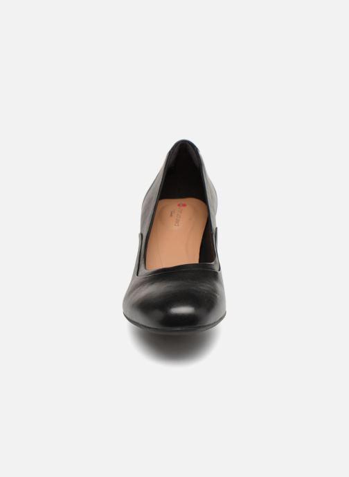 Zapatos de tacón Clarks Unstructured Un Cosmo Step Negro vista del modelo