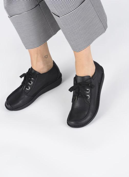 Chaussures à lacets Clarks Unstructured Funny Dream Noir vue bas / vue portée sac