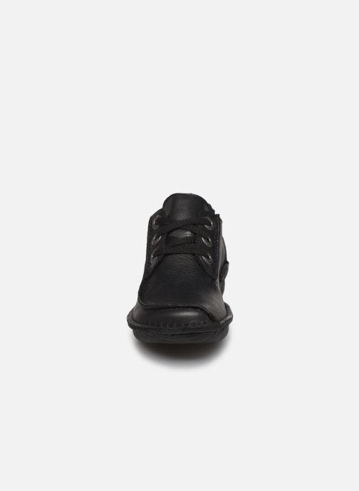 Schnürschuhe Clarks Unstructured Funny Dream schwarz schuhe getragen