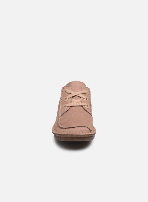 Zapatos con cordones Clarks Unstructured Funny Dream Rosa vista del modelo