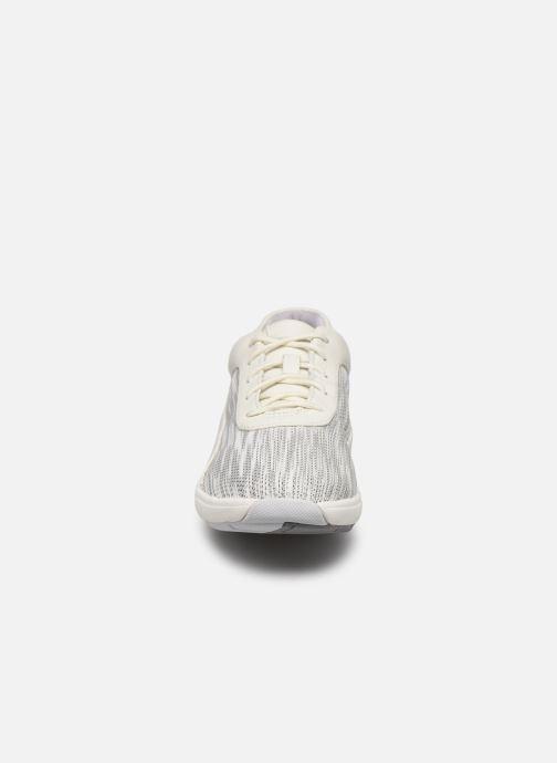 Baskets Clarks Unstructured Un Cruise Lace Blanc vue portées chaussures