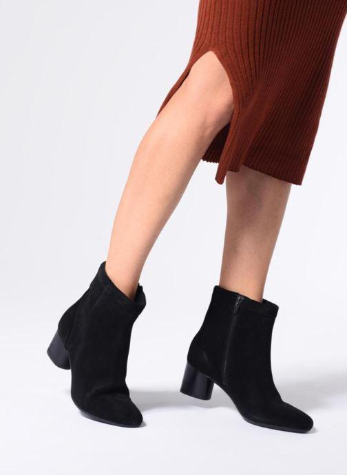 Bottines et boots Clarks Unstructured Un Cosmo Up Noir vue bas / vue portée sac