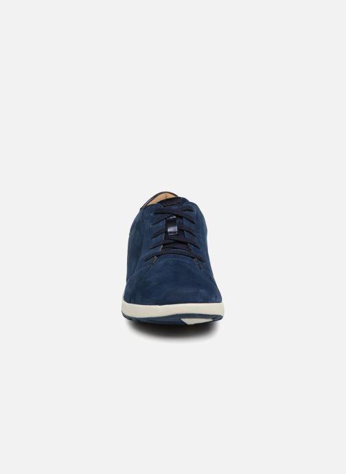 Baskets Clarks Unstructured Un Adorn Lace Bleu vue portées chaussures