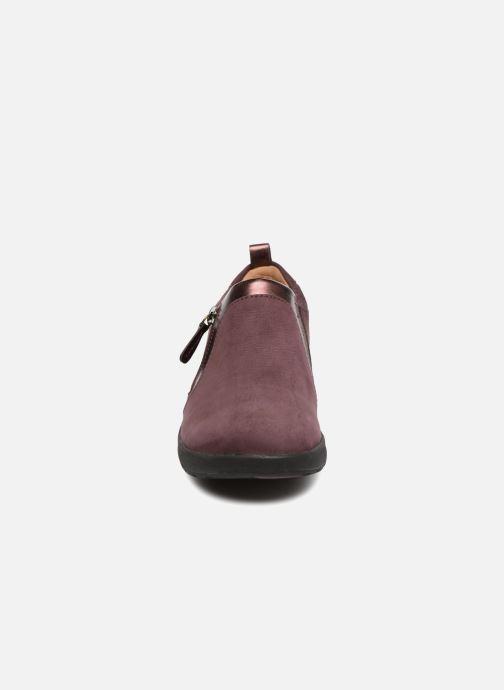 Sneakers Clarks Unstructured Un Adorn Zip Viola modello indossato