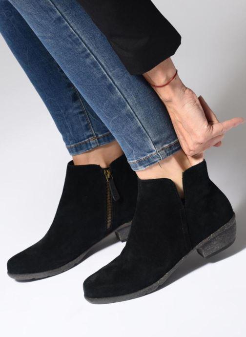Stiefeletten & Boots Clarks Unstructured Wilrose Frost schwarz ansicht von unten / tasche getragen
