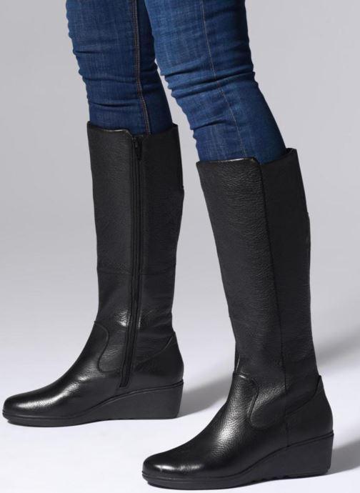 Stiefel Clarks Unstructured Un Tallara Esa schwarz ansicht von unten / tasche getragen