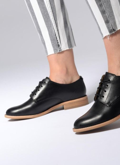 Lace-up shoes Clarks Edenvale Ash Black view from underneath / model view