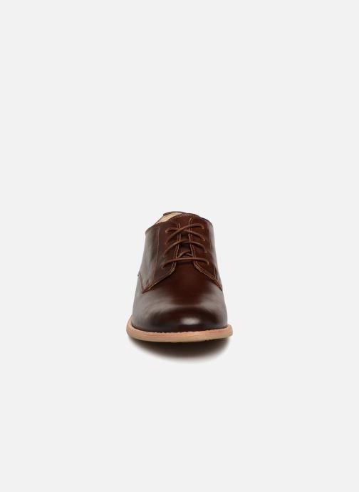 Snörade skor Clarks Edenvale Ash Brun bild av skorna på