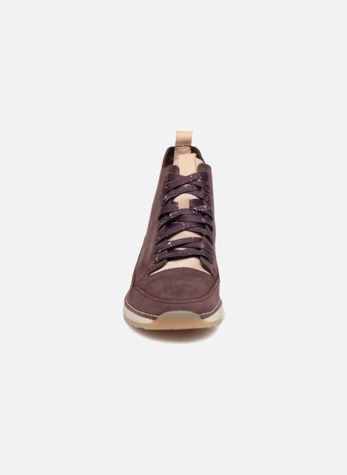 Baskets Clarks Tri Free Violet vue portées chaussures