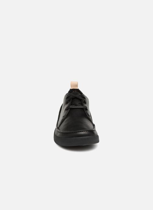 Sneakers Clarks Tri Clara Nero modello indossato