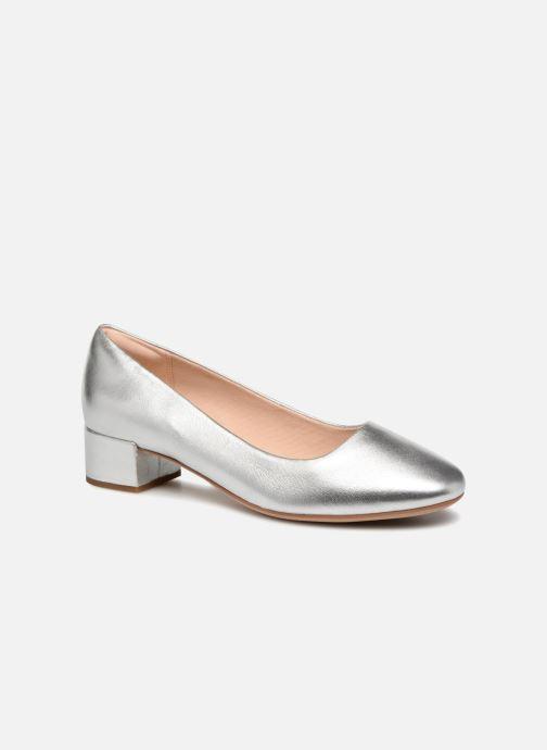 Zapatos de tacón Clarks Orabella Alice Plateado vista de detalle / par