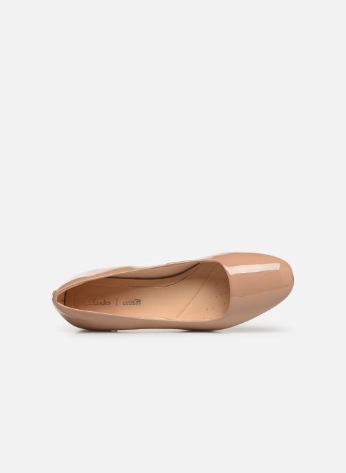 Zapatos de tacón Clarks Orabella Alice Beige vista lateral izquierda