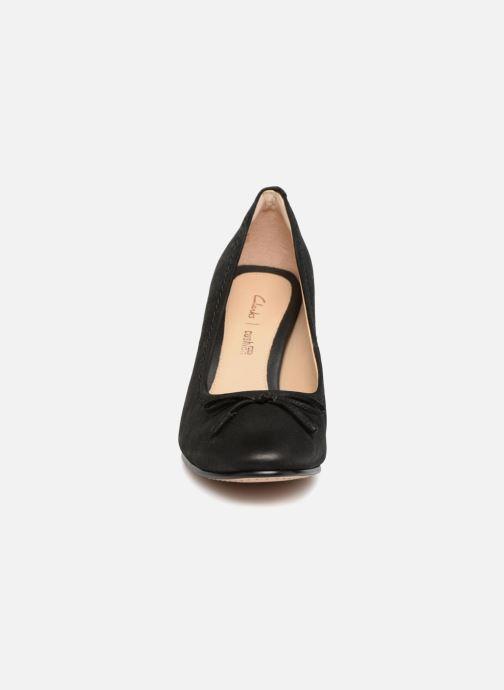 Zapatos de tacón Clarks Grace Nina Negro vista del modelo