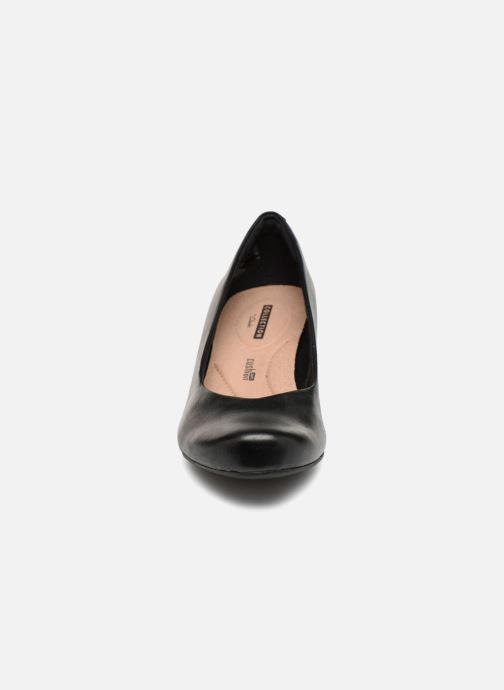 Zapatos de tacón Clarks Flores Tulip Negro vista del modelo