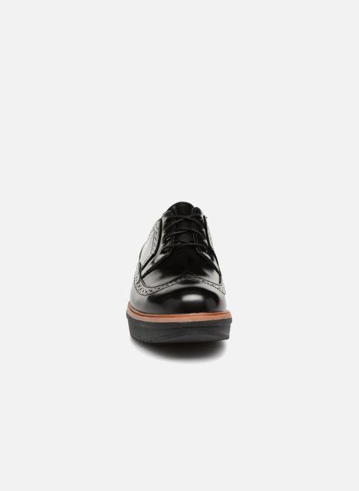 Schnürschuhe Clarks Teadale Maira schwarz schuhe getragen