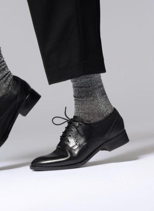Personificación riesgo Diariamente  Clarks Raisie Hilde (Noir) - Chaussures à lacets chez Sarenza (340367)