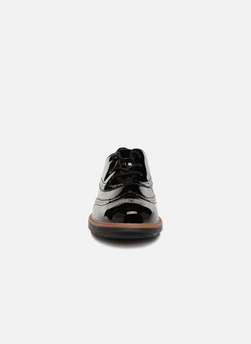 Zapatos con cordones Clarks Raisie Hilde Negro vista del modelo