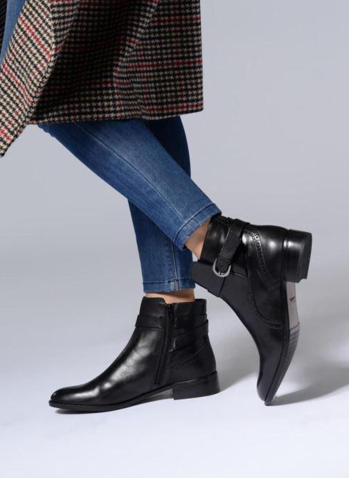 Bottines et boots Clarks Netley Olivia NEW Noir vue bas / vue portée sac