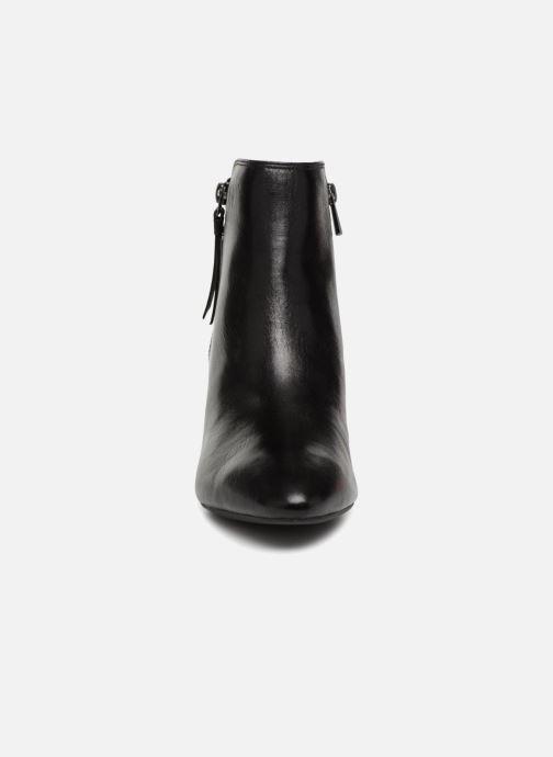 Bottines et boots Clarks Calla Blossom Noir vue portées chaussures
