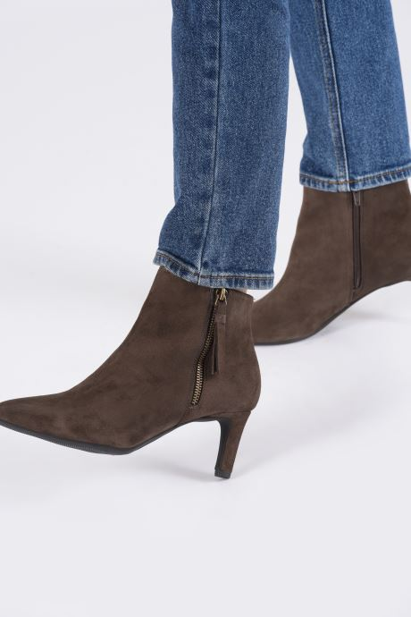 Ankle boots Clarks Calla Blossom Brown view from underneath / model view