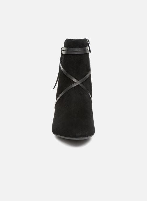 Boots en enkellaarsjes Clarks Calla Aster Zwart model