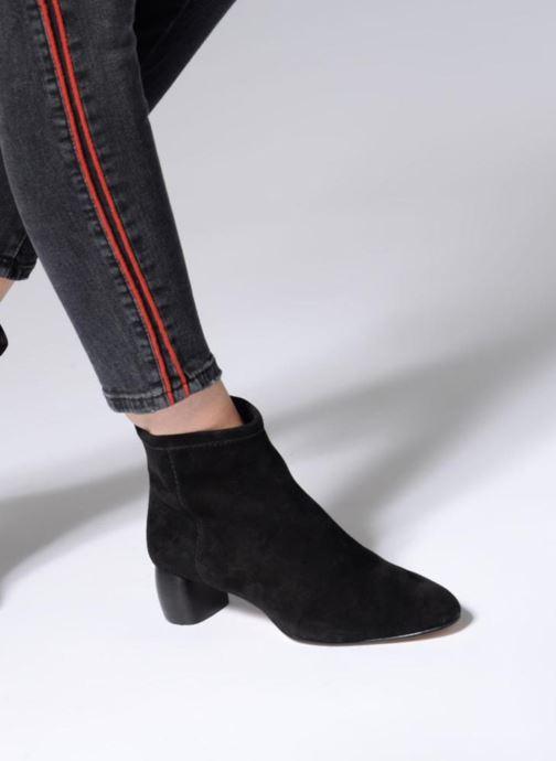 Bottines et boots Clarks Grace Bella Noir vue bas / vue portée sac