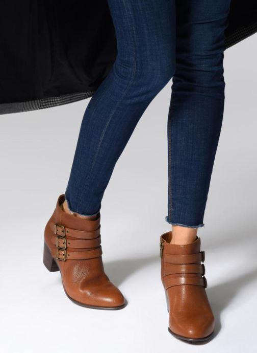 Bottines et boots Clarks Maypearl Rayna Marron vue bas / vue portée sac