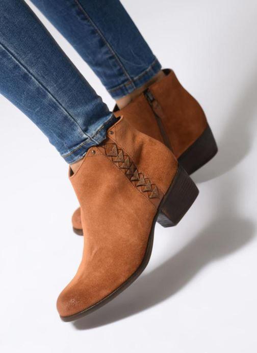 Bottines et boots Clarks Maypearl Fawn Marron vue bas / vue portée sac