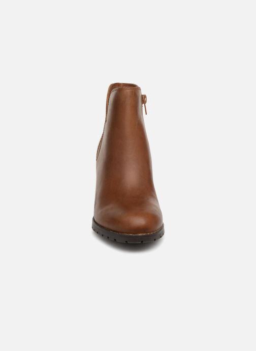 Bottines et boots Clarks Verona Trish Marron vue portées chaussures