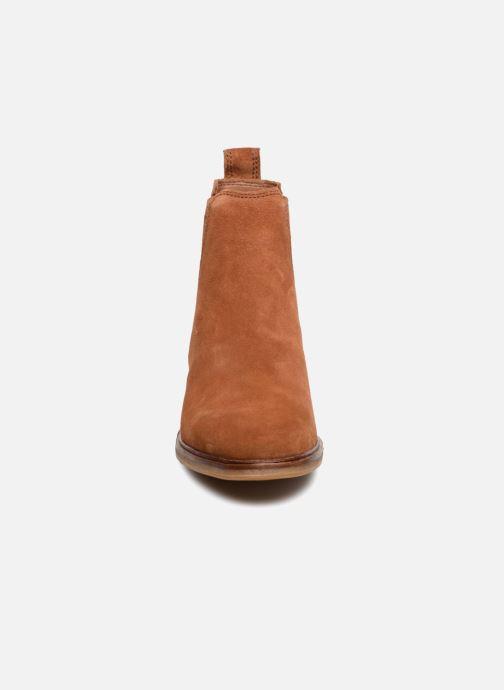 Bottines et boots Clarks Clarkdale Arlo Marron vue portées chaussures